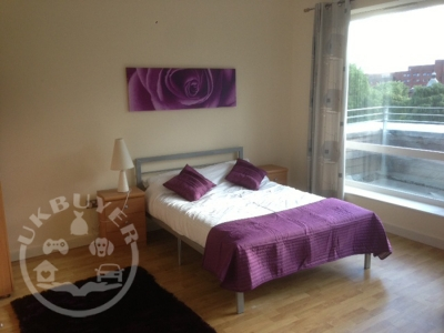 Lovely 2 bed penthouse apartment in city centre - for holiday or short term let